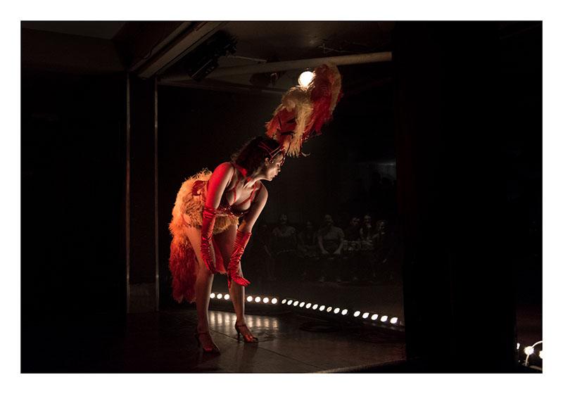 bourlesque dancer
